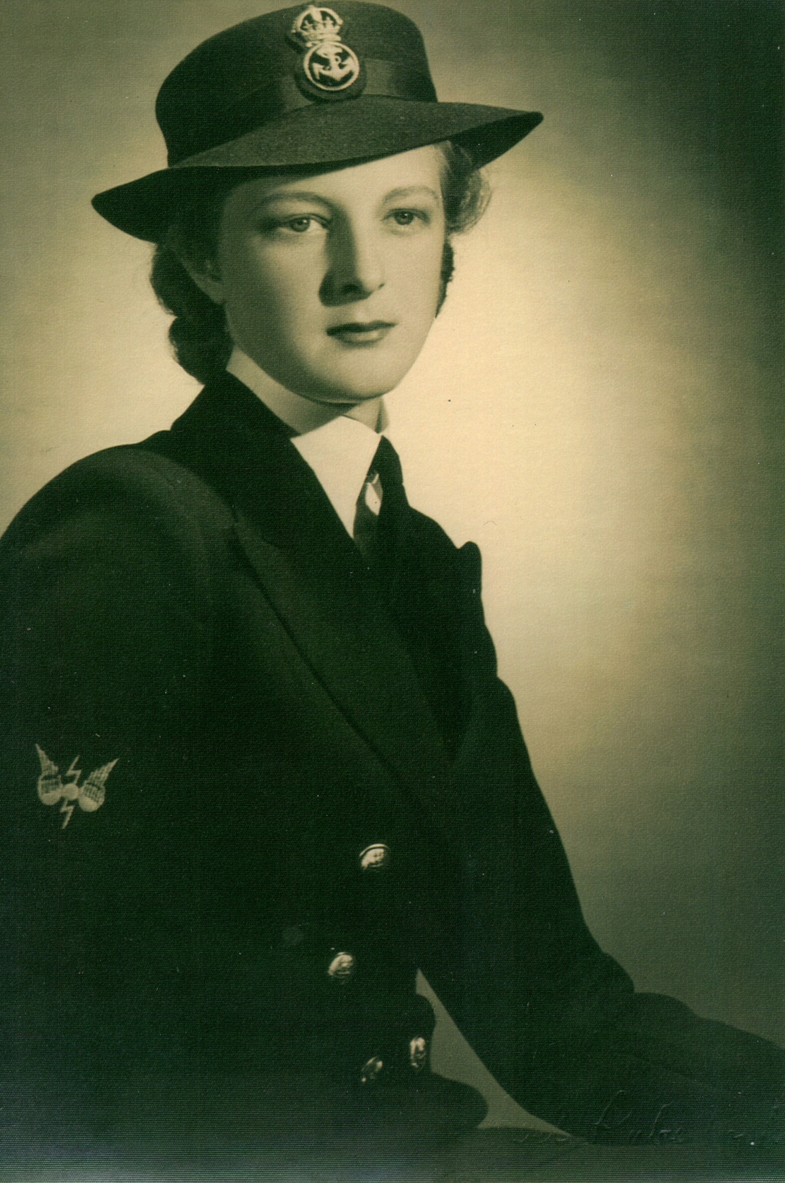 Jean Nysen in her WRANS uniform during WWII