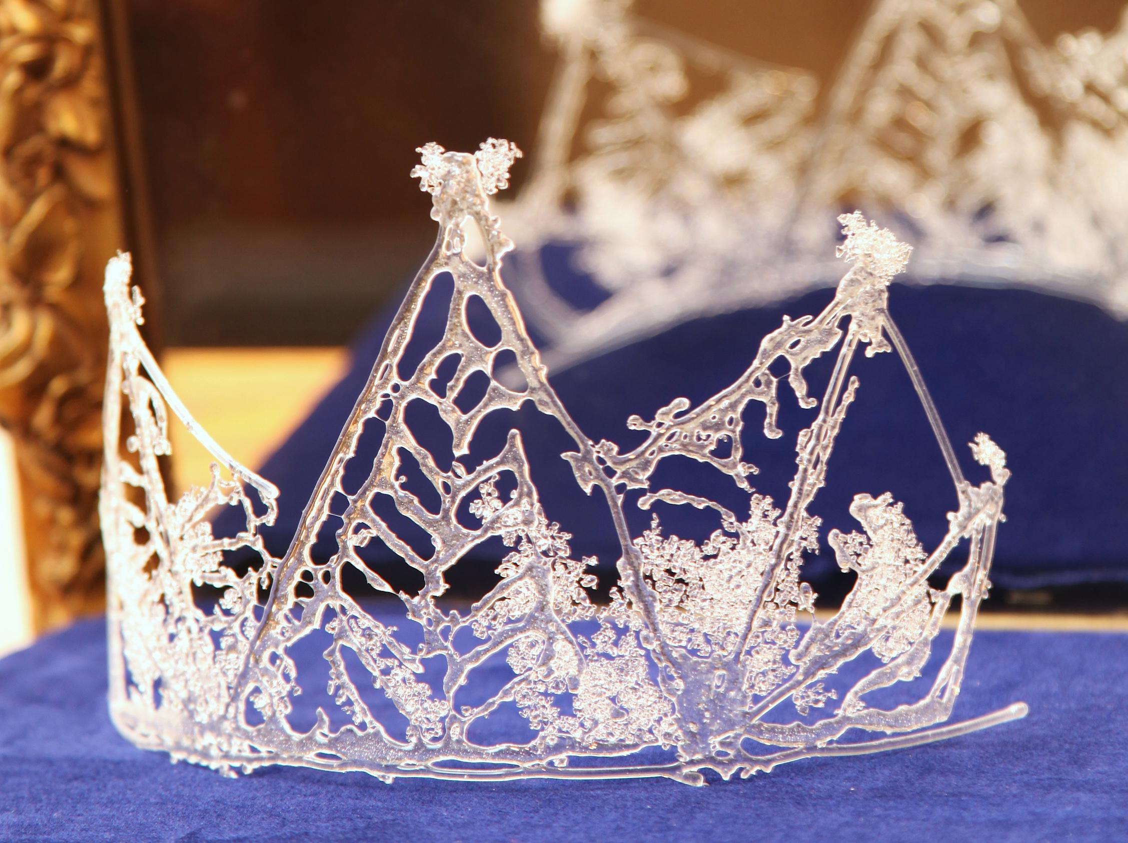 Crown3crop.jpg