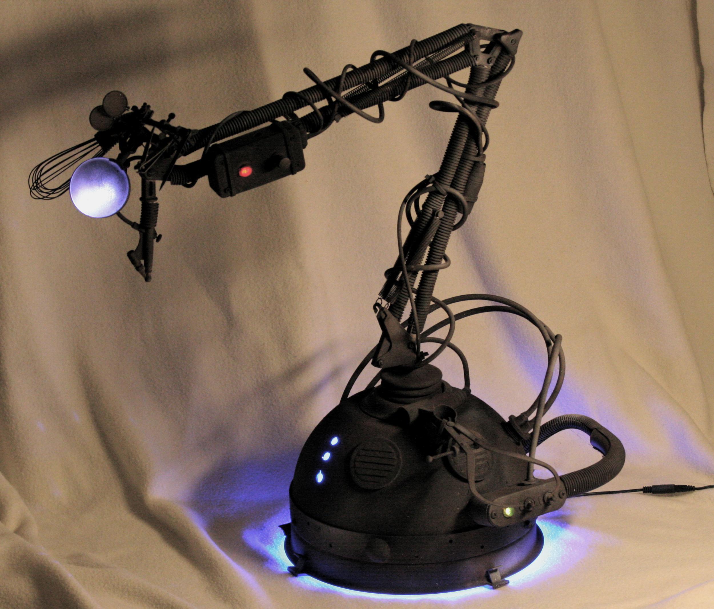 ROBOTNEW3.jpg
