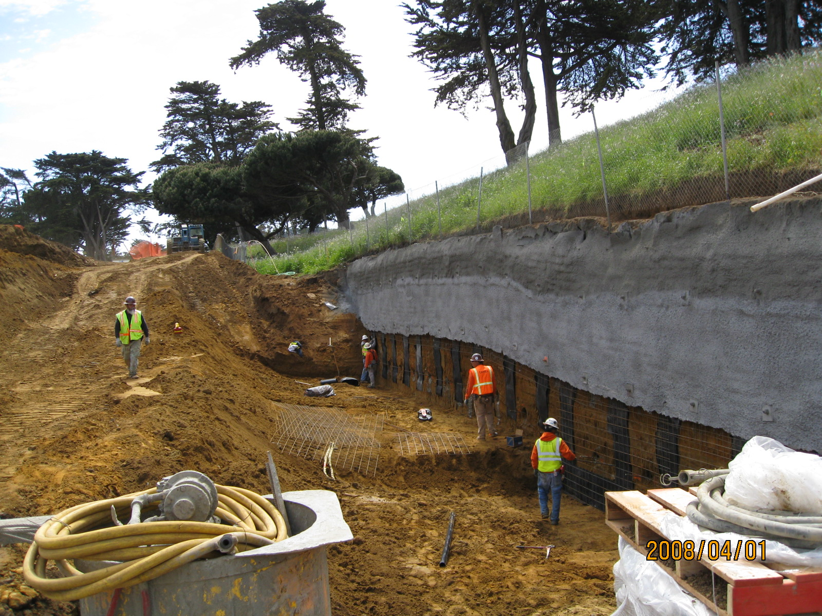 Construction of a soil nail wall which allowed the construction of the Alemany Pump Station in San Francisco.  This project included a reinforced concrete structure, pumps, stand-by generators, security fencing, SCADA, monitoring and disinfection systems, and landscaping.