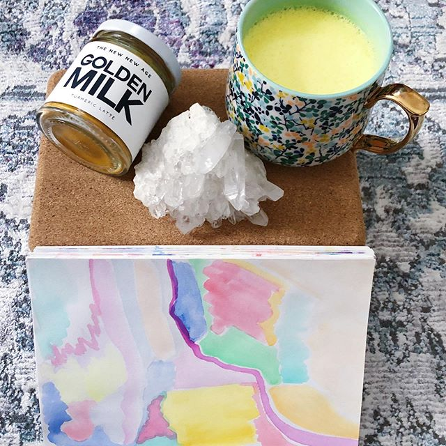Prepping for yoga tonight... 🧘‍♀️🍵🎨💎 Golden milk & quartz crystal from  @ordinary_magic_savannah  @savannahyogacenter