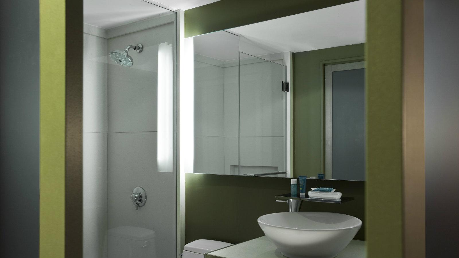 who1234gb-116818-Bathroom.jpg