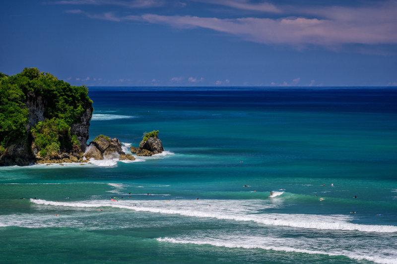 AULU_Surfing_G_A_H_P.jpg