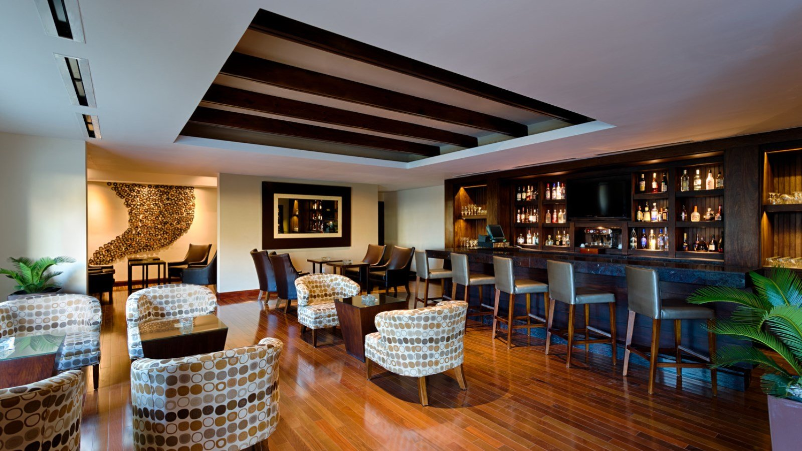 rsz_cigar_lounge_sitting_area-1.jpg