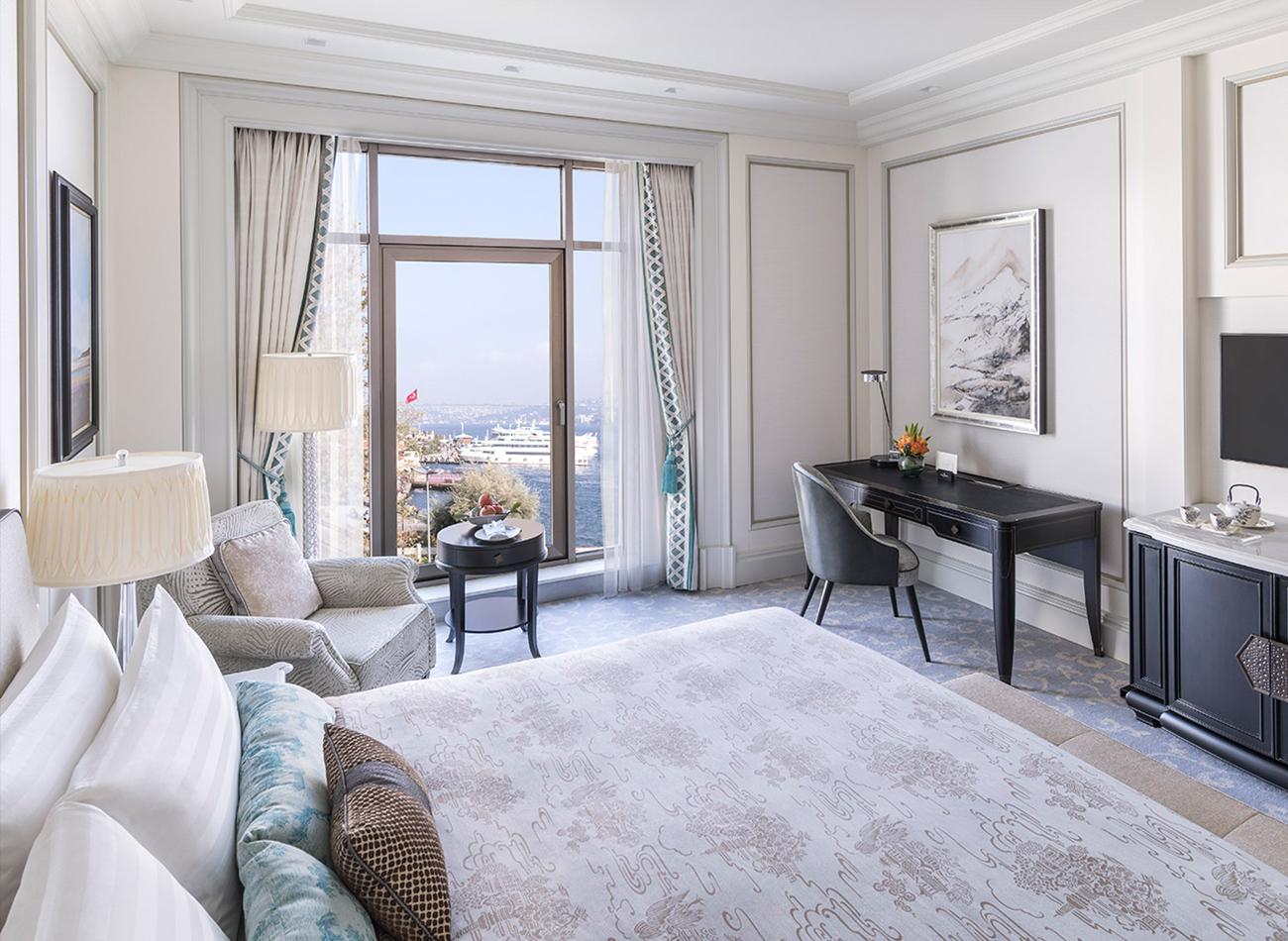 Deluxe Bosphorus Room(1).jpg