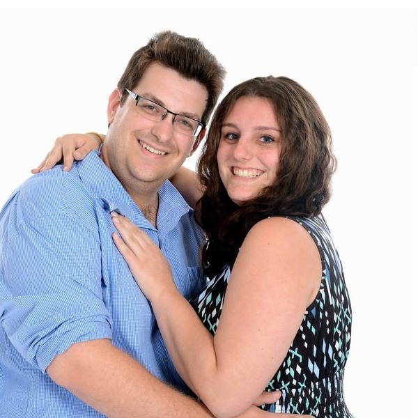 Lindsey and her husband Steven run the branding and digital strategy company Schatz Virtual Solutions.