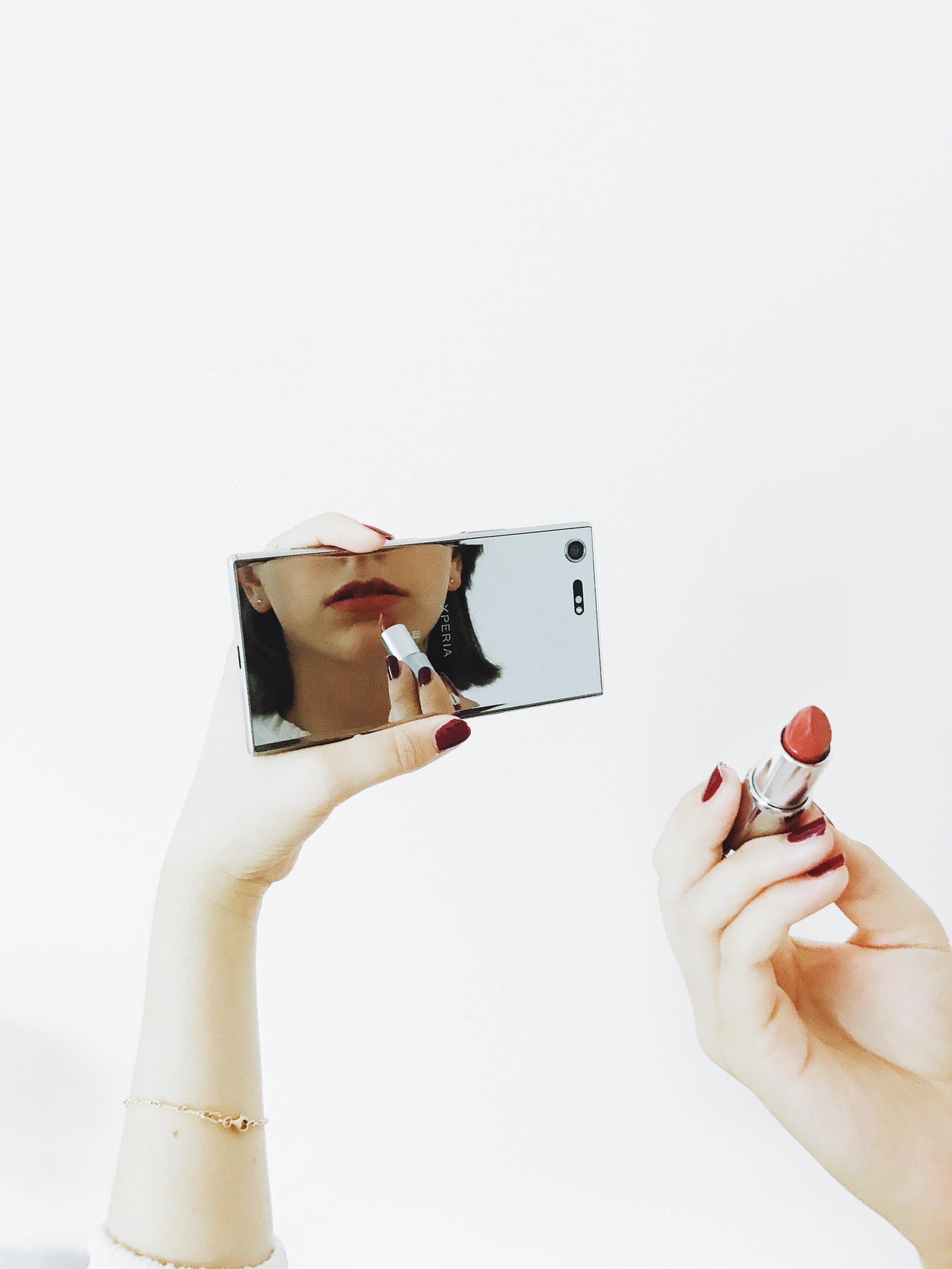 Reflect yourself - Xperia XZ Premium