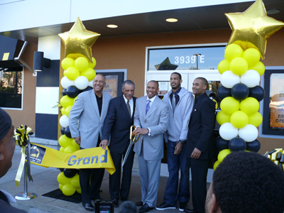 Politicians, entrepreneurs, and former Laker Trevor Ariza celebrate the opening of the Crenshaw District Buffalo Wild Wings.