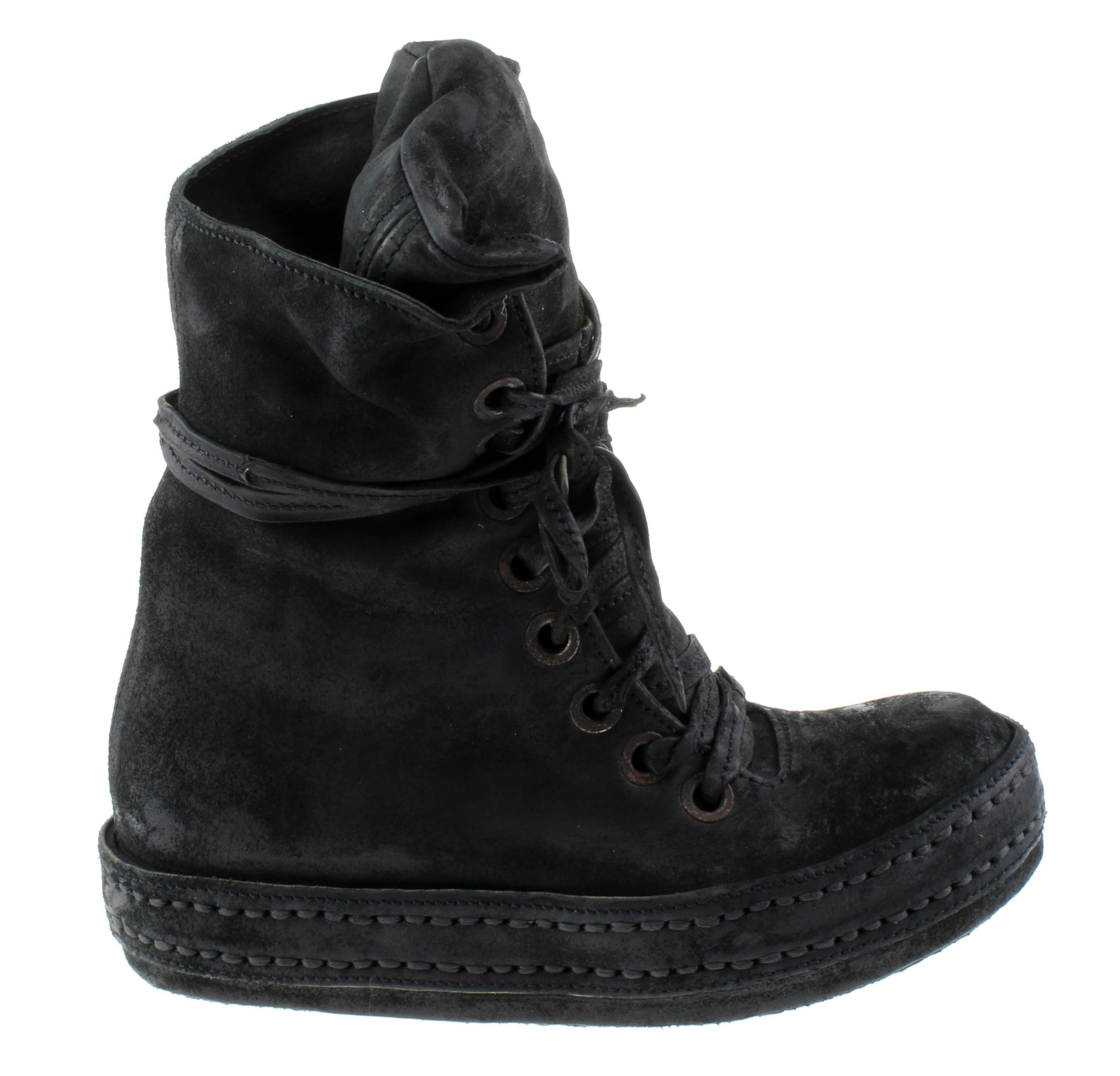 10Hole Washed Black Suede
