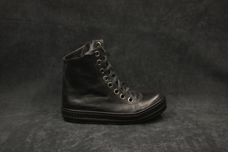 8Hole Black