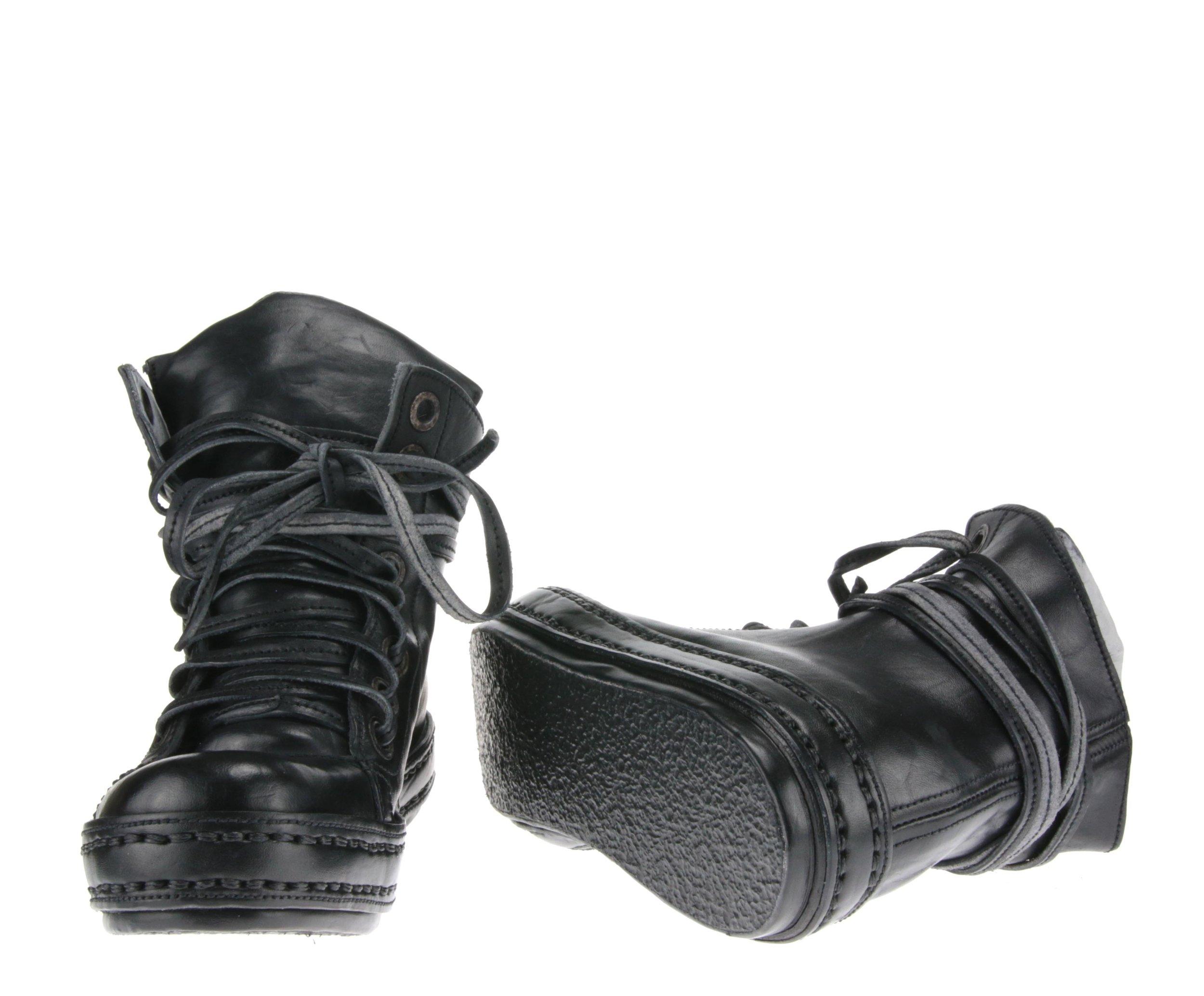 8Holes Black front sole.jpg