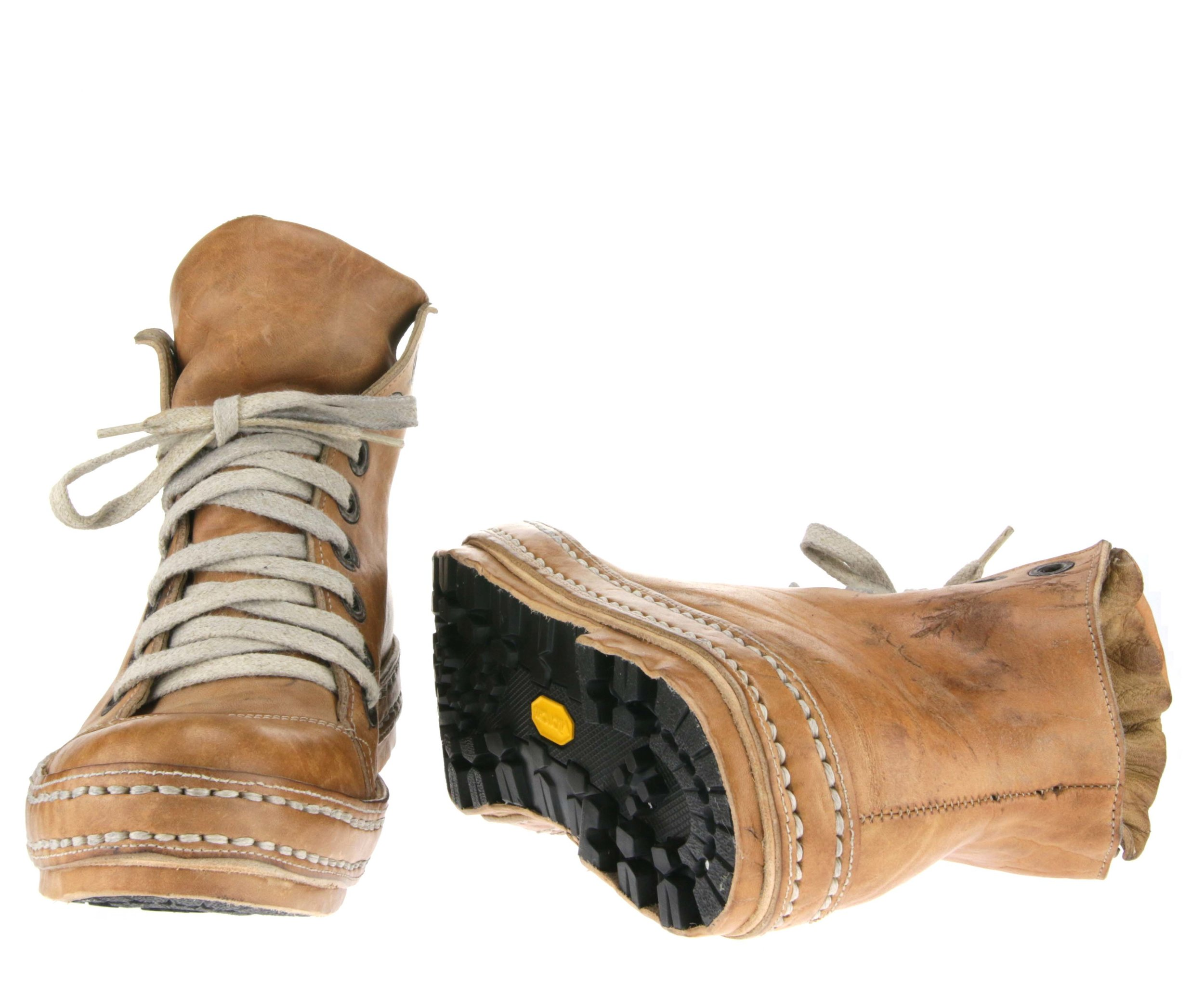8Holes LBs Hike double front sole.JPG