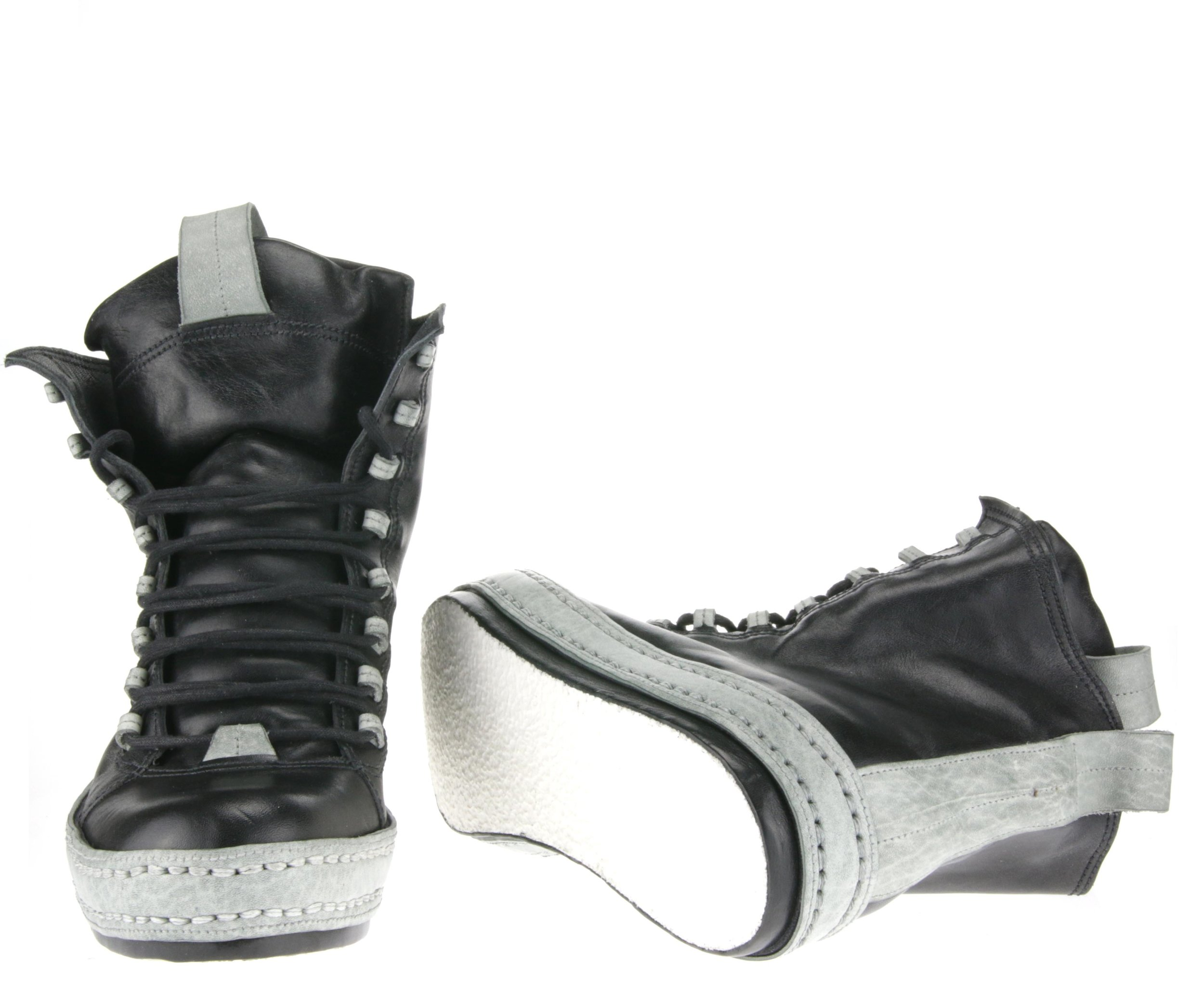 8Hole Loop Lace double front sole.JPG