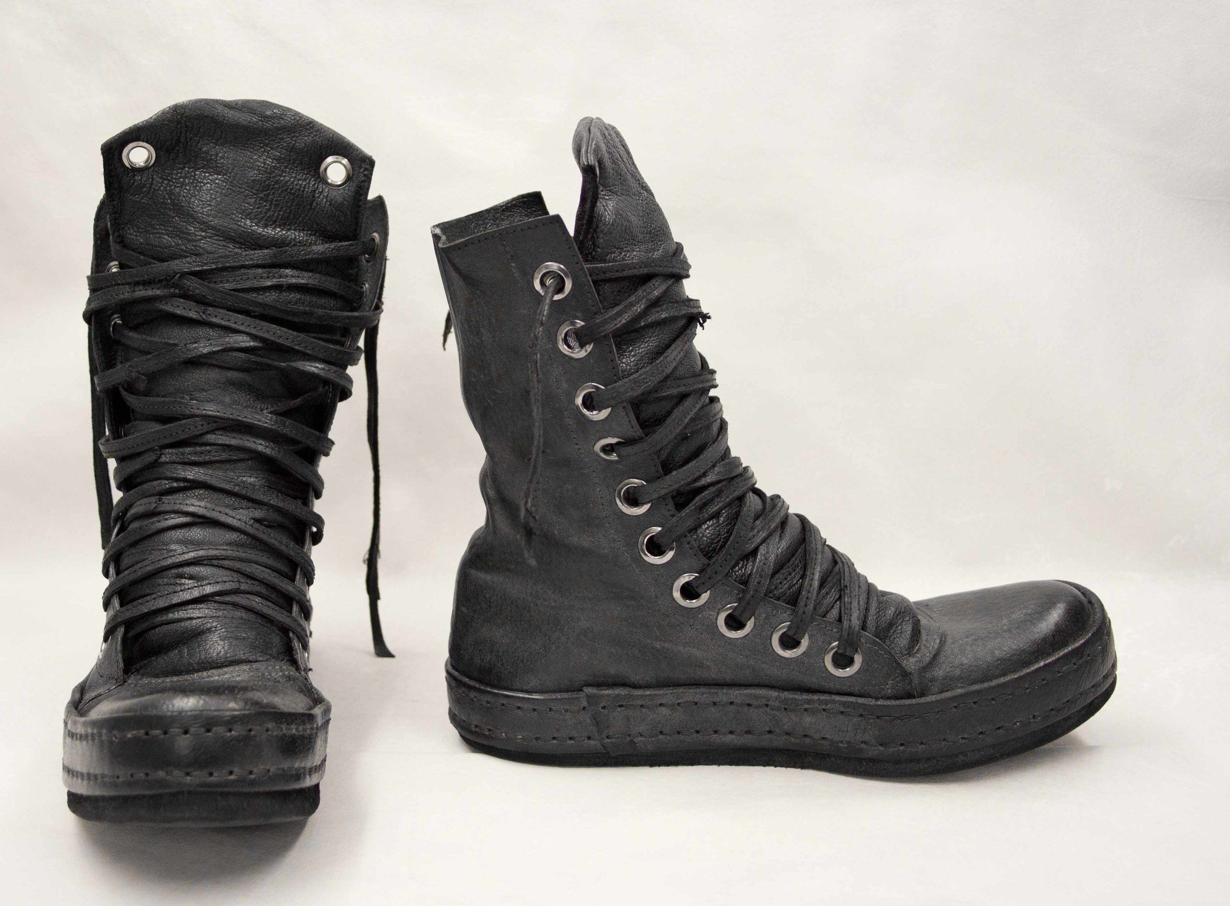 06. Black boots back and side.jpg