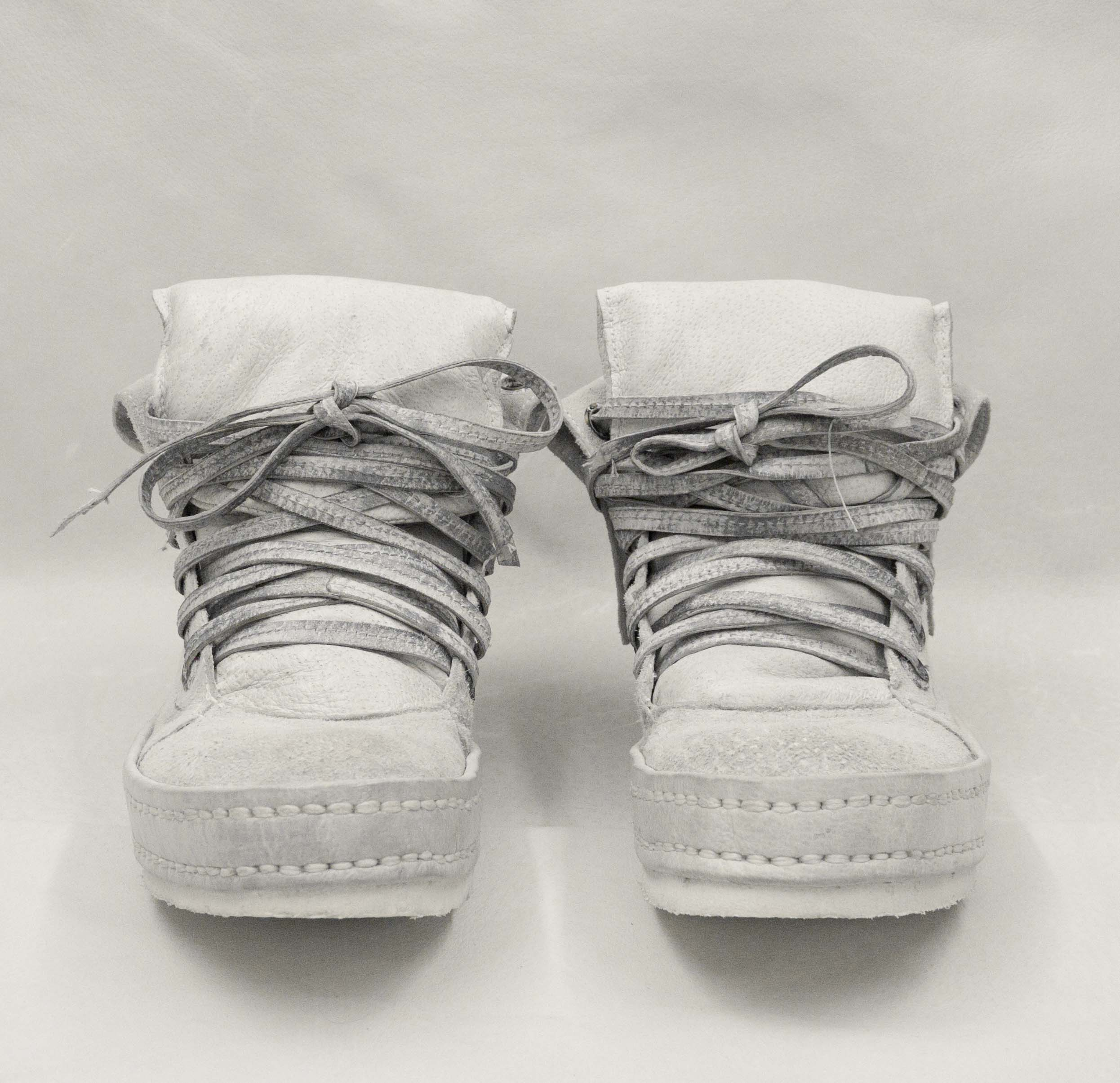 01.White suede front.jpg