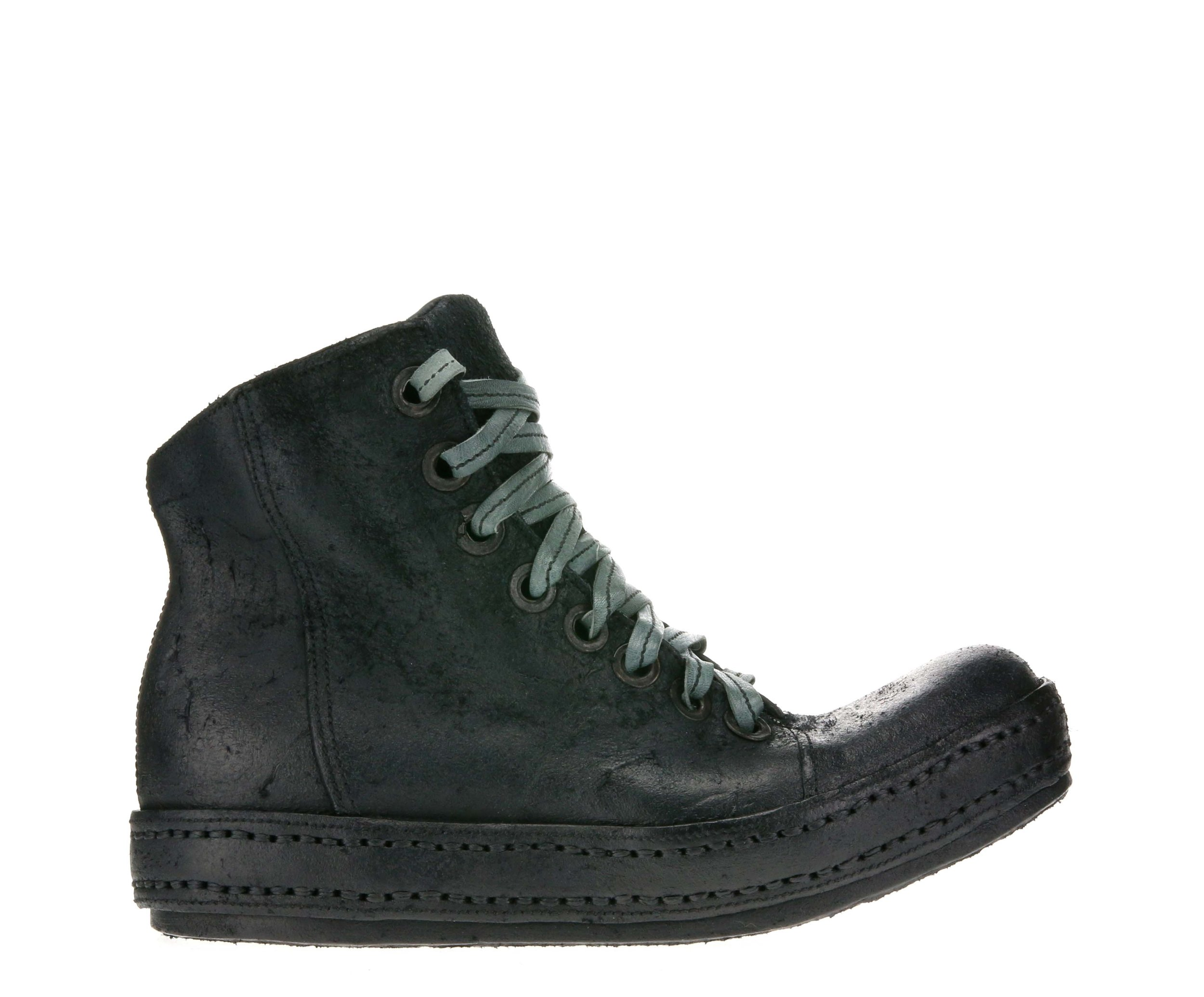 8Hole SP Black Suede Outside.jpg