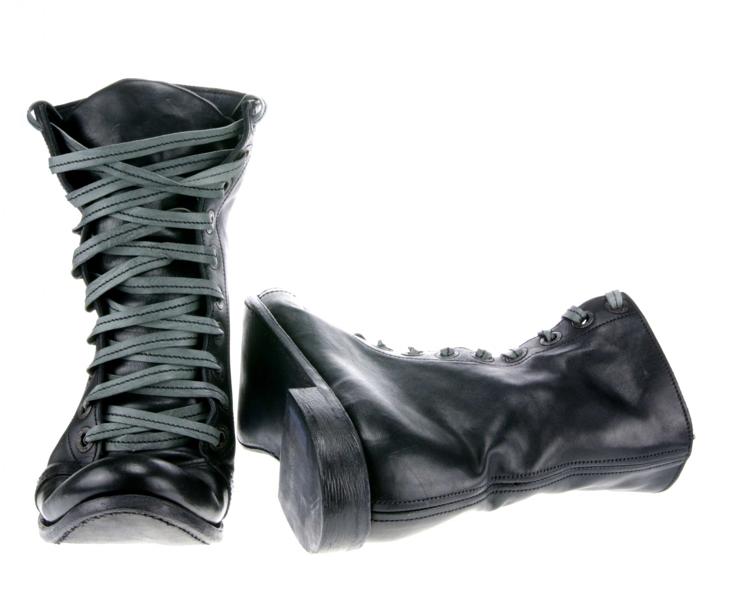 10Hole Work Boot Black Front Inside.jpg