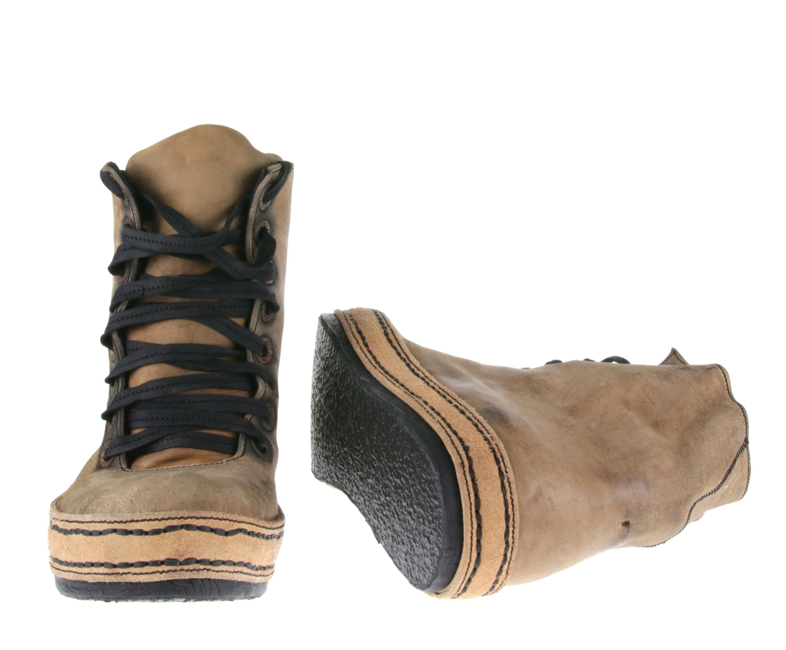 8Hole Sk8 Nat Tan Front Inside.jpg