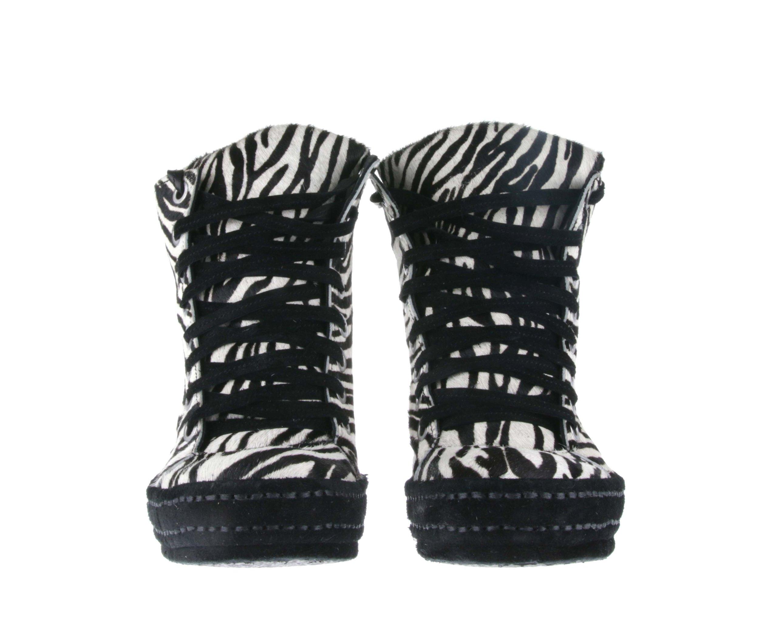 8Hole Zebra Double Front.jpg