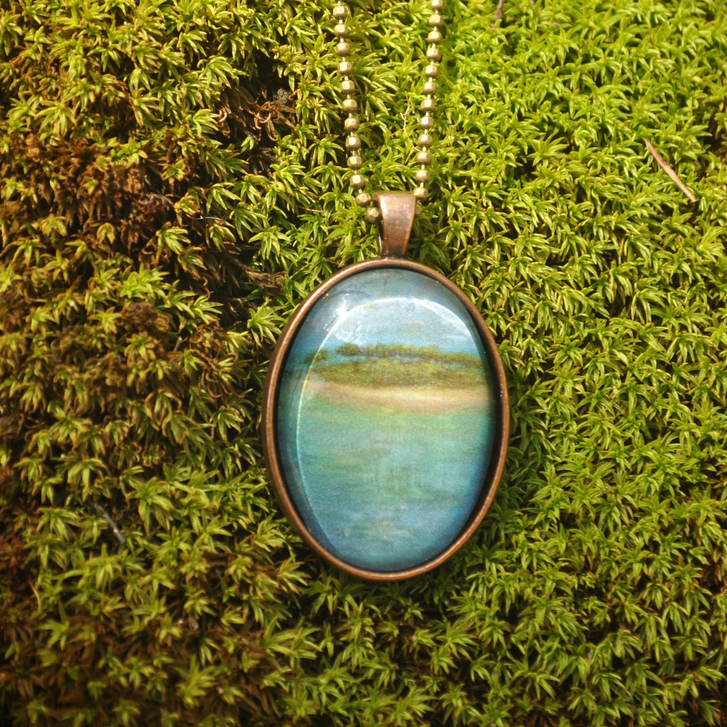 The Island by Monica Hokeilen, pendant