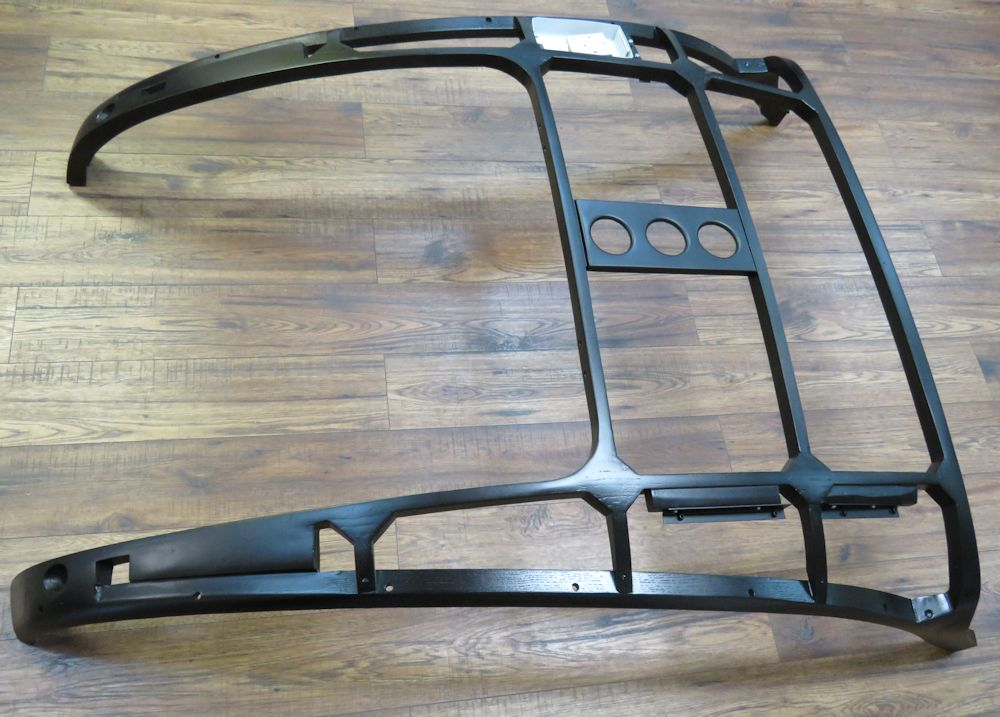 Ash frame sealed with black epoxy primer, just like Jaguar did it back in the day.