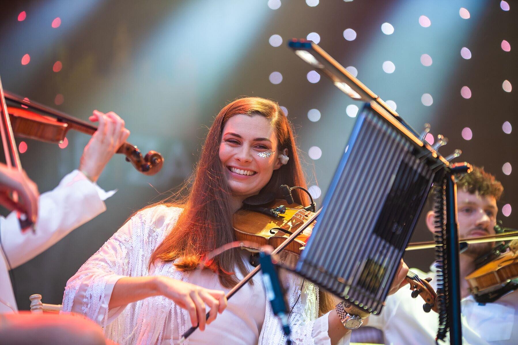 Emma Fry - Violinist | Electric Violinist