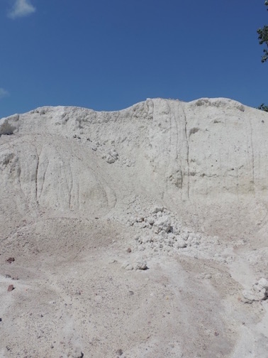 Acme/Ochs Brick Plant: Primary kaolin blended with local brick clay.