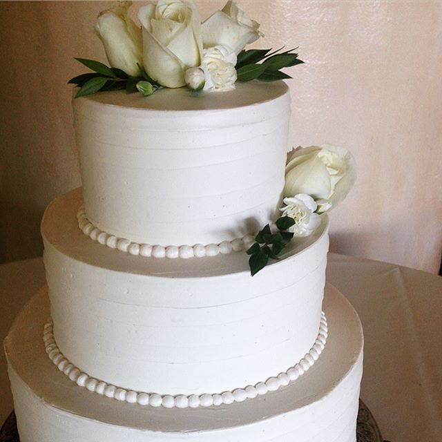 Weekend of weddings! Congratulations to Sharon and Mark (picture 1: gluten free Devil's Food with cappuccino) and Claudia and Brian (picture 2: Devil's Food with vanilla buttercream)!