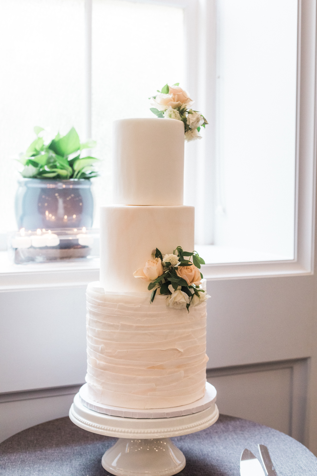 ButtercreamBakeshopWeddingCakeLineHotelWeddingDC2019PlumePhotography