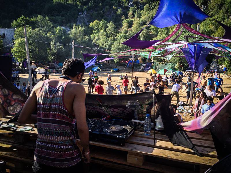 Hisham @ Forest Frequencies Festival Mont Liban 2014.jpg