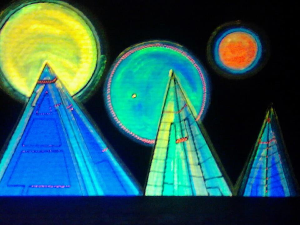 Kalomo UV Pyramids.jpg