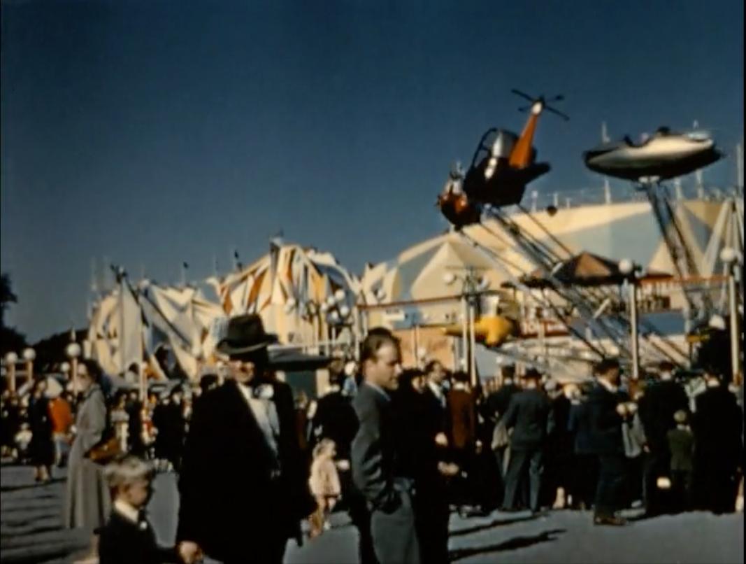 Stillbild från  Den gyllene porten , 1957, regi Håkan Cronsioe.