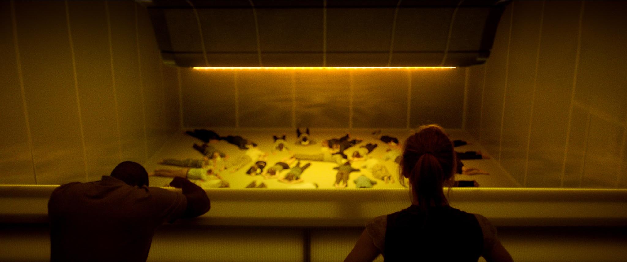 Stillbild ur filmen  Aniara  (2019), regisserad av Pella Kågerman och Hugo Lilja. Foto: SF.