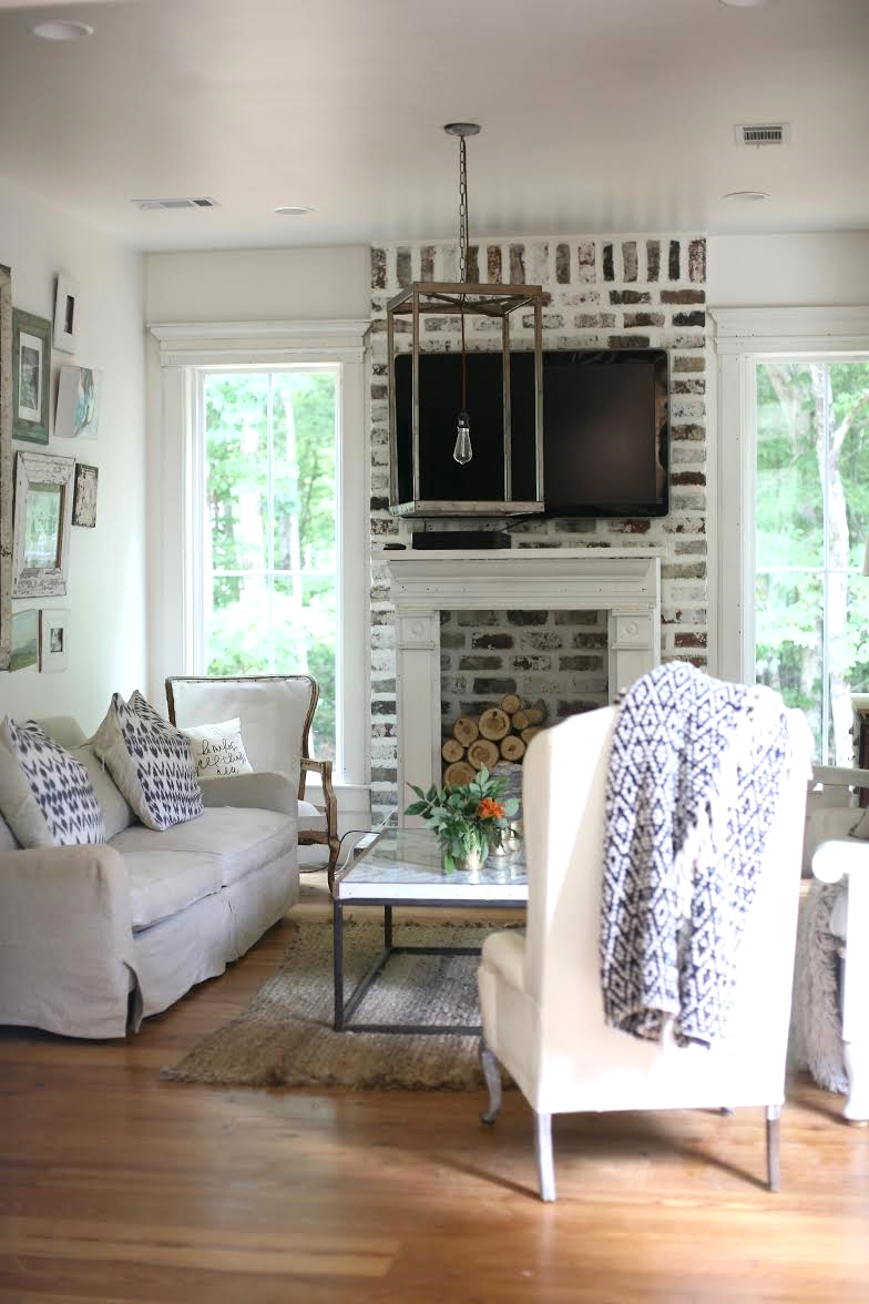 Their home is fabulous!! It's a farmhouse dream!