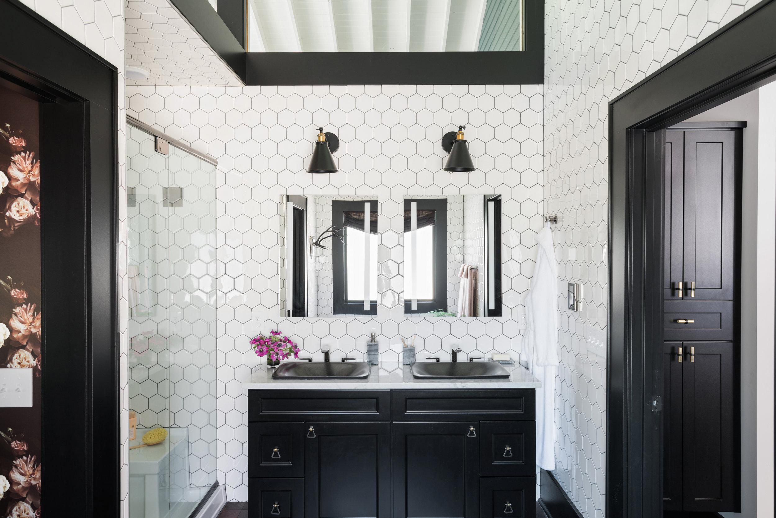 HGTV Urban Oasis 2017 - Master Bathroom.jpg