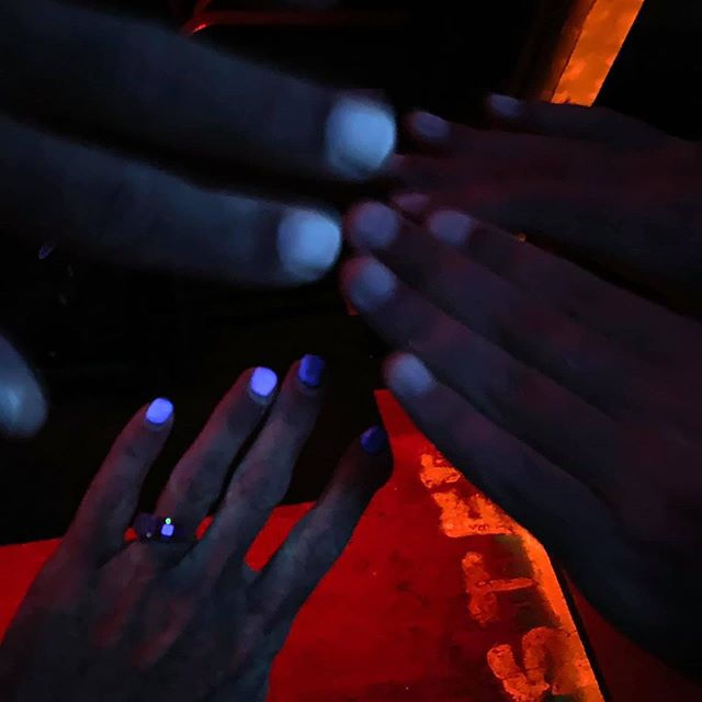 Can you guess which adults were using the black lights at Cedar Hill Farms to show off their manicures last night? 🤔