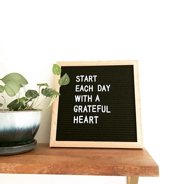 🌙 M O N D A Y V I B E S🌙 Cheers to another week ahead ✨✌🏼 #mondaymotivation #mondaymornings #mondaymantra cc: @letterfolk I just love this cute little board, picked up this inspo from a visit to @magnolia market in Waco, TX