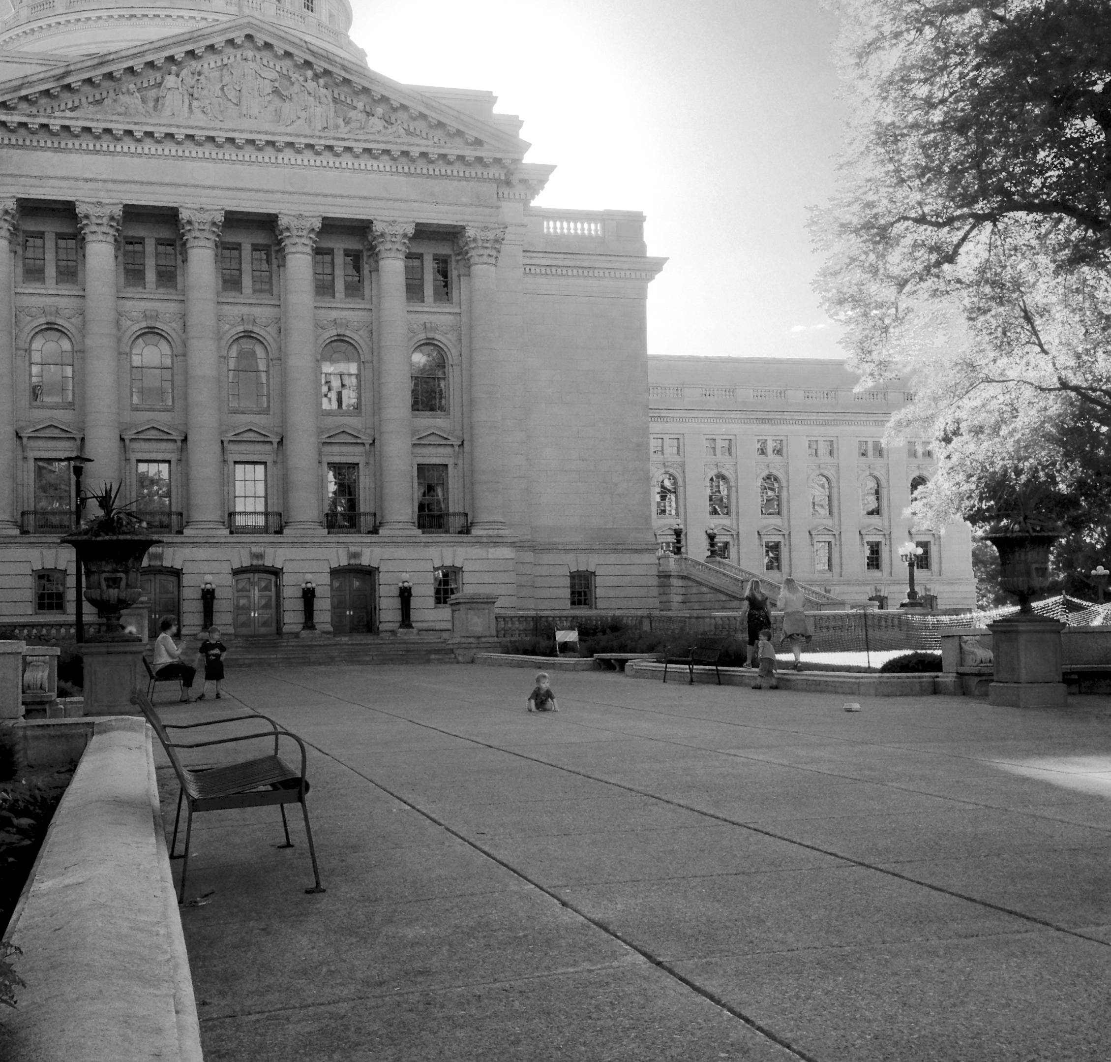 Crouch. State Capitol. Madison, Wisconsin. June 2016. © William D. Walker
