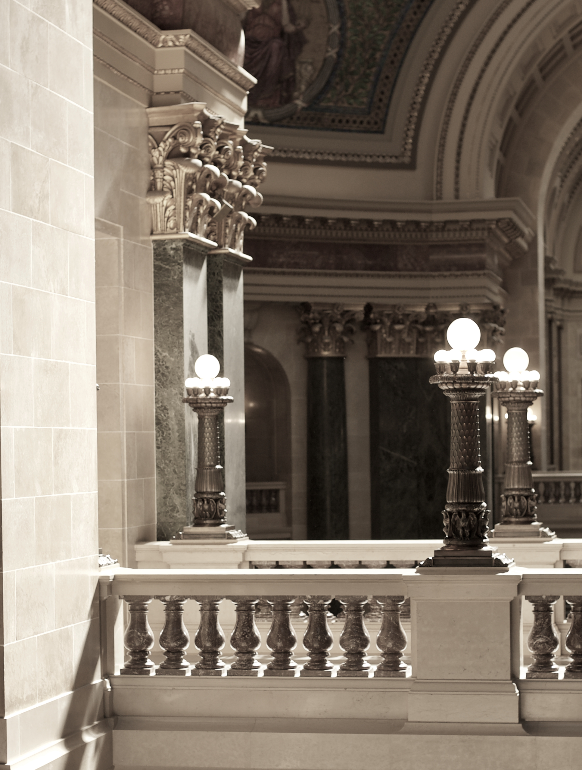Interior Lighting. State Capitol. Madison, Wisconsin. October 2016. © William D. Walker