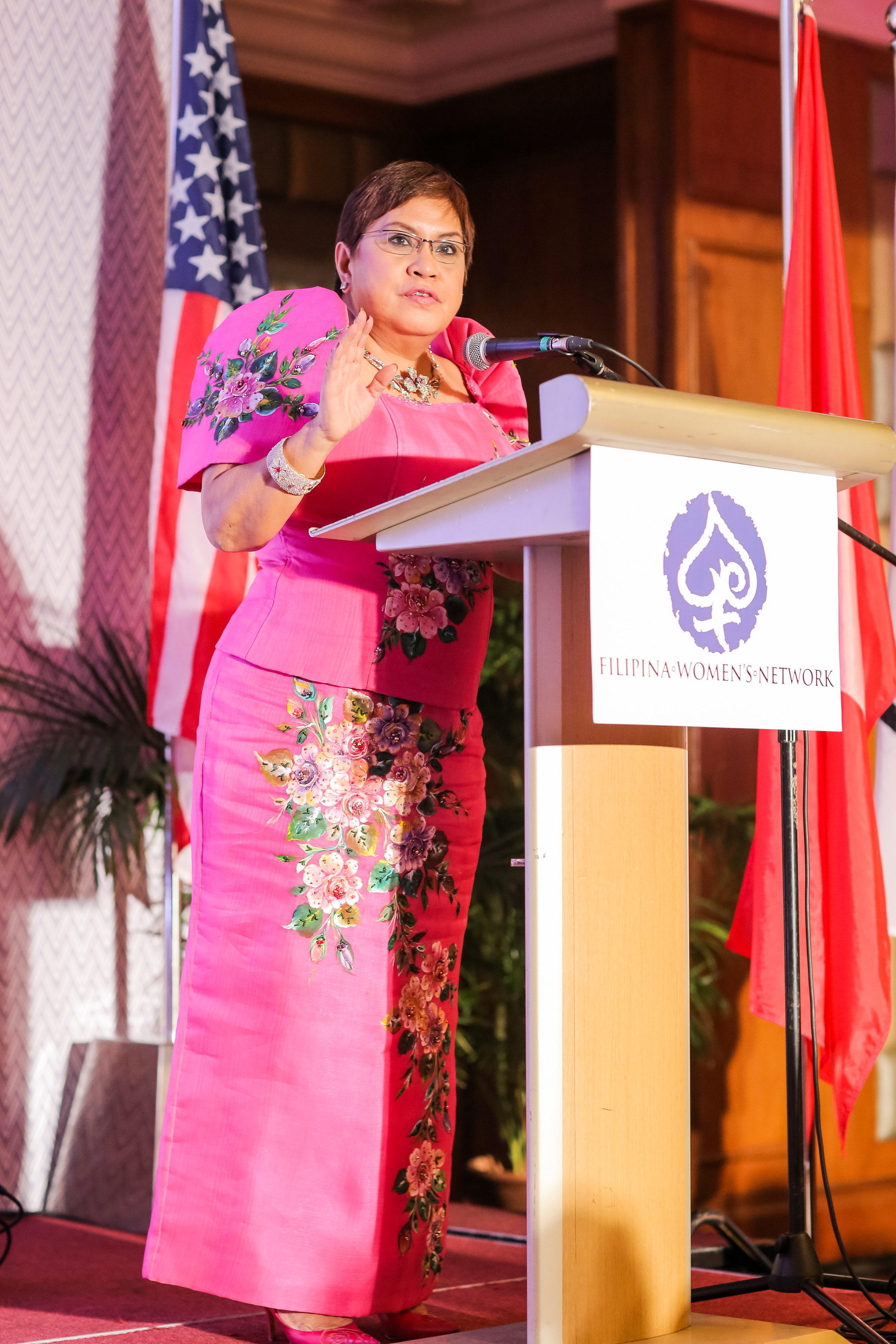 """Lorna Patajo-Kapunan (Global FWN100™ '16),Senior Partner, Kapunan Garcia & Castillo Law Offices delivered her leadership keynote """"The Secrets of Successful Women"""" during the Global FWN100™ 2016 Dinner and Awards Ceremony on August 23, 2016 at Shangri-La Mactan in Cebu, Philippines"""