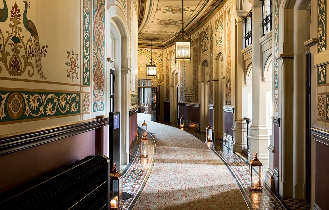 rh_lonpr_hallway.jpg