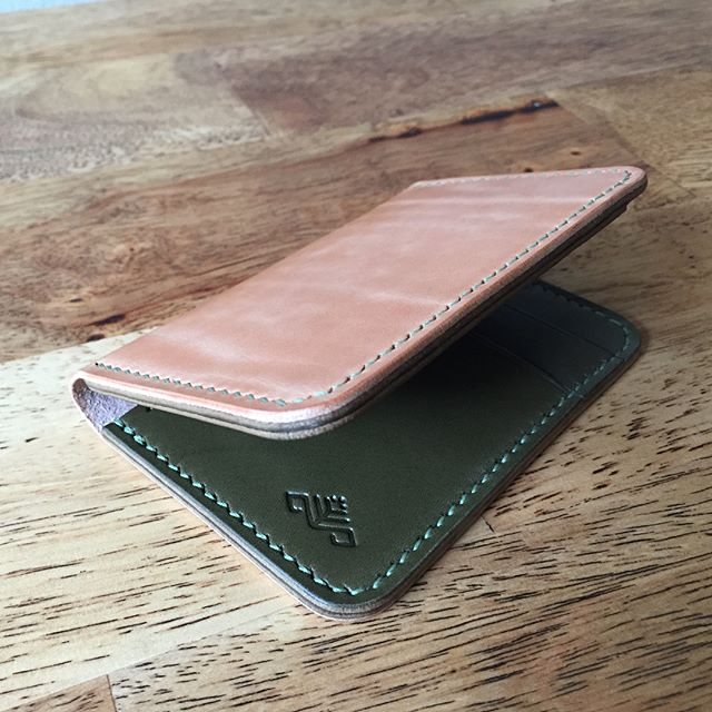 Can't seem to get myself to post on social media very often - what kind of millennial am I anyway? There are worse things to be bad at, I suppose. At any rate, it was time to make a new wallet for myself. I'm calling it the korok wallet. Found it under a rock, yahaha. #wallet #leather #leatherworking #wickettandcraig #harnessleather #bridle #olive #russet