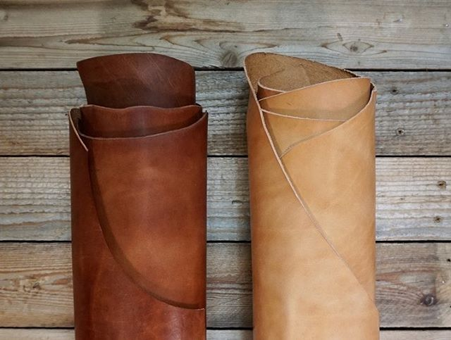 Wickett & Craig glazed harness items now available in the shop! I've been trying this stuff out since last year and I love how it burnishes and takes stamping so well. I've always gravitated toward matte/waxy leather, but I'm discovering how awesome this glossier look is.  #leather #leatherwork #wickettandcraig #vegtan #leatherwallet #handcraftedleather #leathergoods #design #style #leathercraft #buckbrown #russet