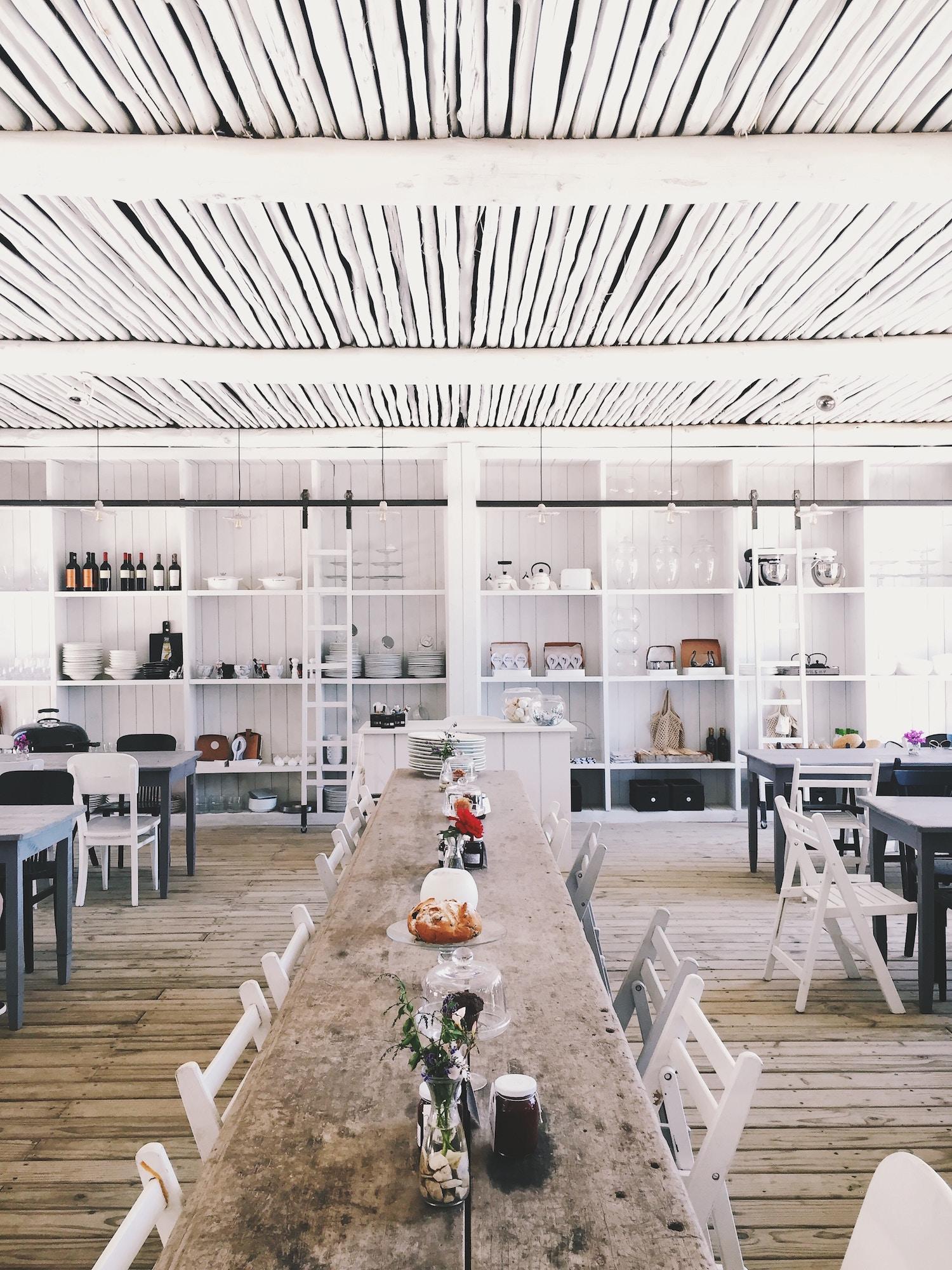 restaurant-white.jpg