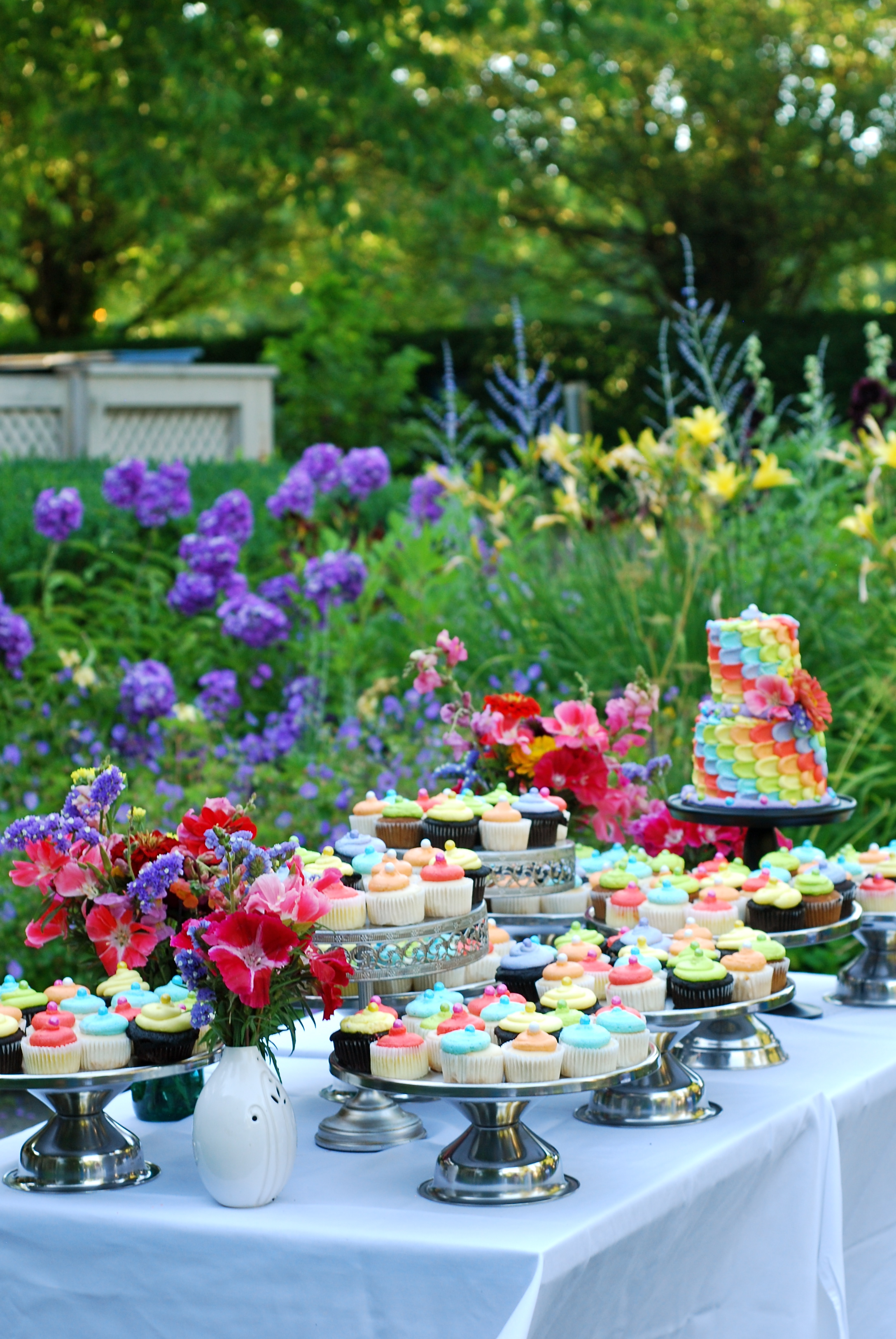 The stunning gardens and grounds of The Grant House were perfect for this celebration.