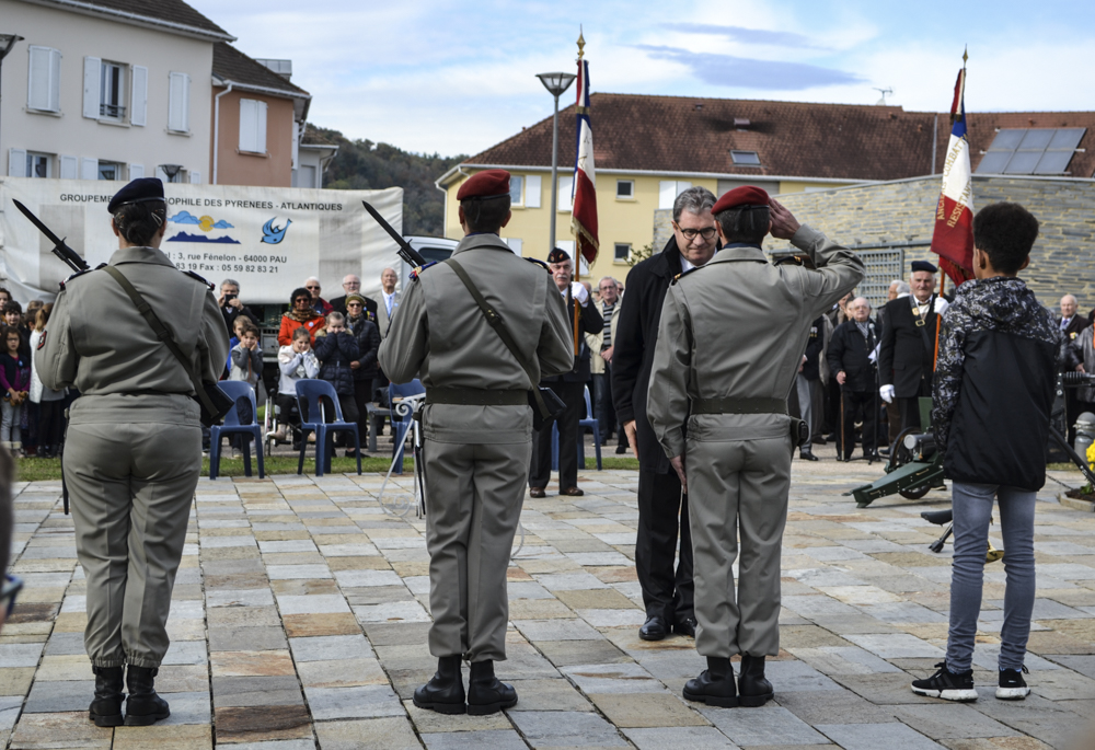 Michel Bernos, mayor of Jurançon, pays respect to the soldiers at Jurançon's WWI commemoration ceremony.