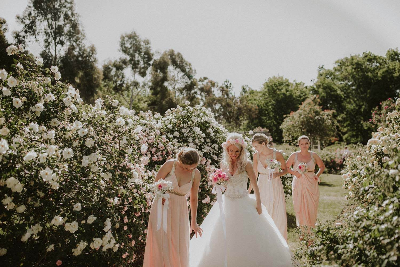 canberra-wedding-rose-gardens_049(4164).jpg