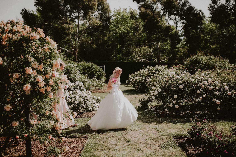 canberra-wedding-rose-gardens_050(4187).jpg