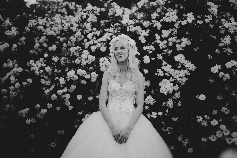canberra-wedding-rose-gardens_074(5062).jpg