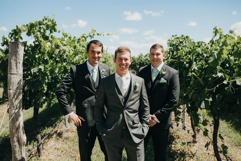 murrumbateman-winery-wedding_044(0722).jpg